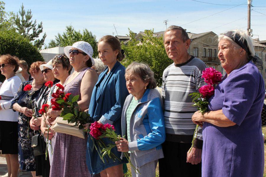 Дню памяти и скорби была посвящена вахта памяти, прошедшая у мемориала Славы в Еманжелинске