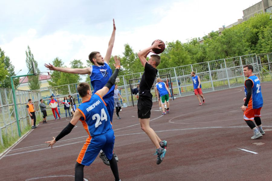 Баскетболисты из Долгодеревенского выиграли молодежный турнир в Еманжелинске