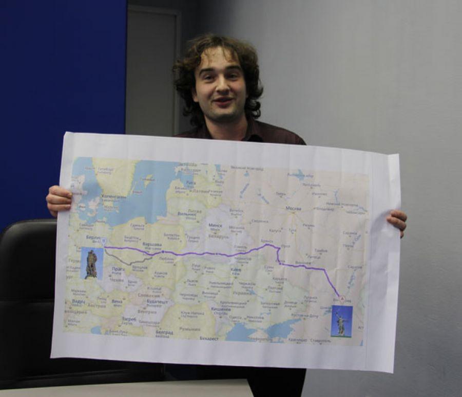 Челябинский Форрест Гамп пробежит 2,6 тысячи километров отВолгограда доБерлина